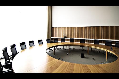 mesa-redonda-comité-de-dirección